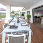 terrasse et piscine de notre villa de luxe corse