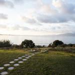 jardin avec chemin vers la plage en corse