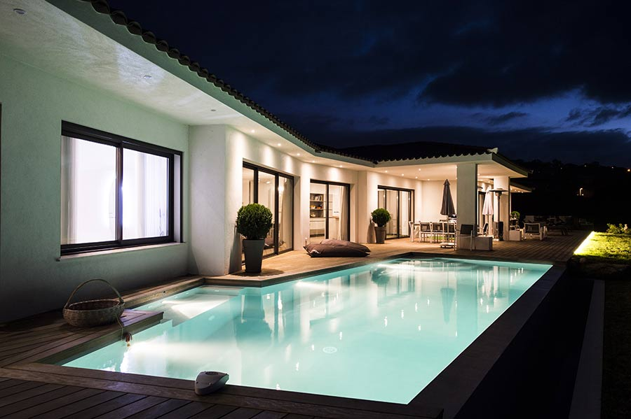 Location villa luxe corse avec piscine happy days standing ajaccio for Villa de reve